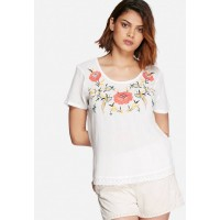 Vero Moda Women Senorita embroidered top White VRQNWAL